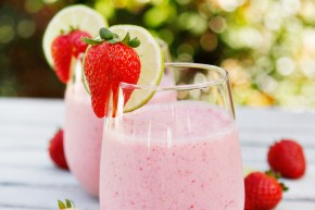 strawberry lime smoothie, vegan healthy and easy
