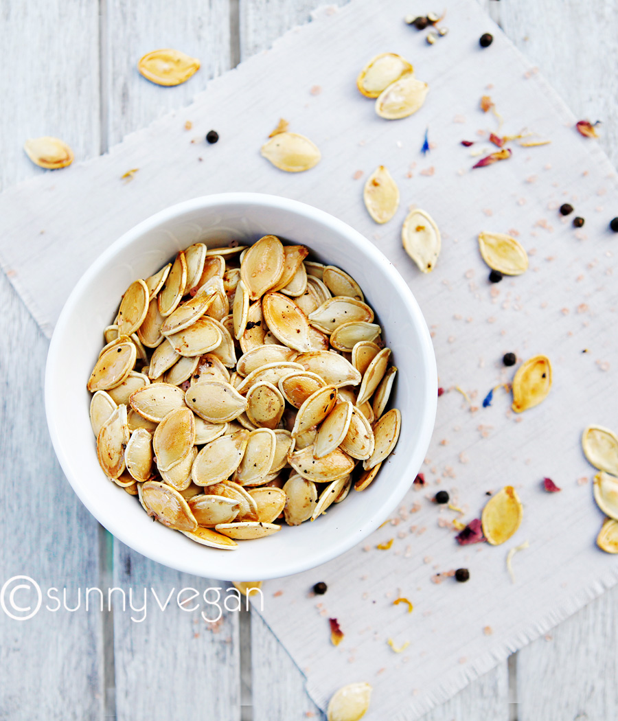 sea salt and pepper roasted pumpkin seeds