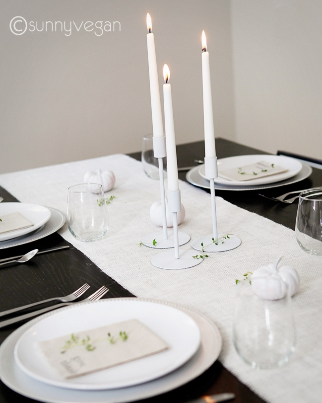 modern thanksgiving table idea white pumpkin burlap runner diy napkin