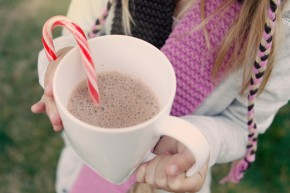 easy vegan hot chocolate recipe for the holidays with peppermint